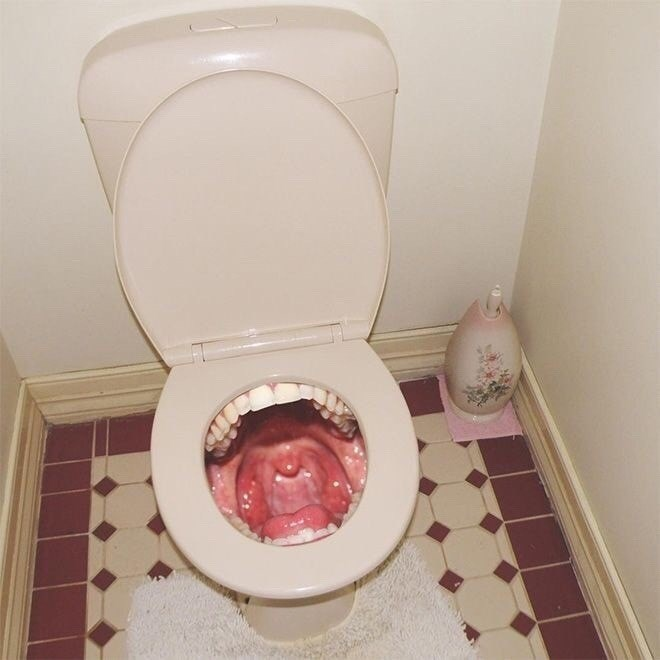 cursed_image- mouth toilet