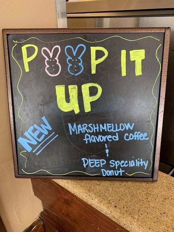 Font - PyP IT UP MARSHMELLOW Aavored coffee NEW DEEP Speciality Donut