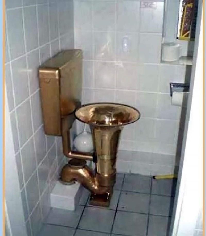 cursed_images-instrument toilet