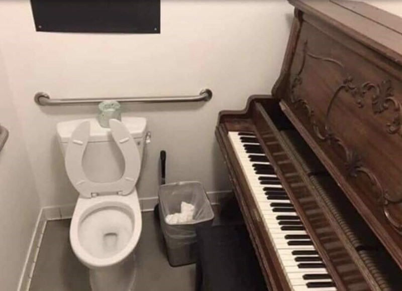 cursed_images - Toilet - piano in room