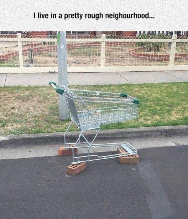 bad day - Shopping cart - Tlive in a pretty rough neighourhood..
