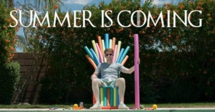 Public space - SUMMER IS COMING