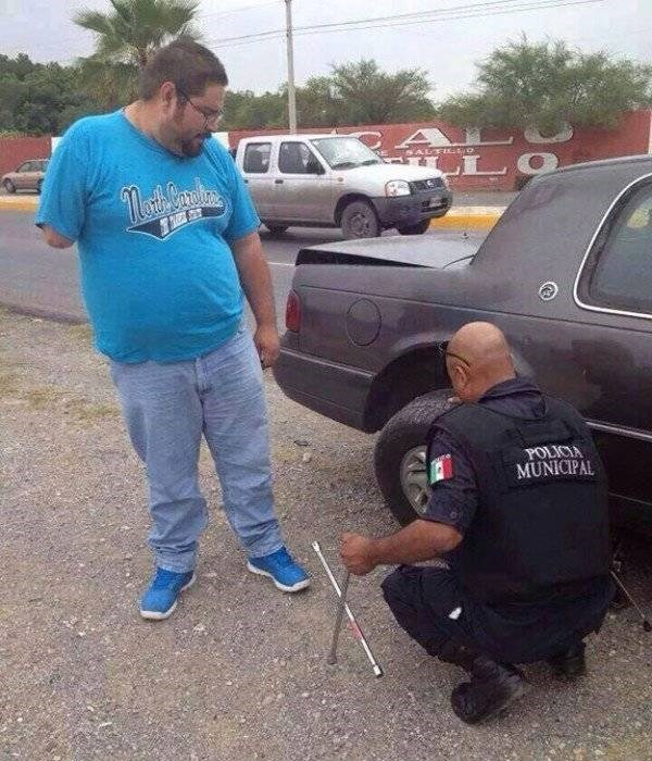 police - Vehicle door - POLICIA MUNICIPAL