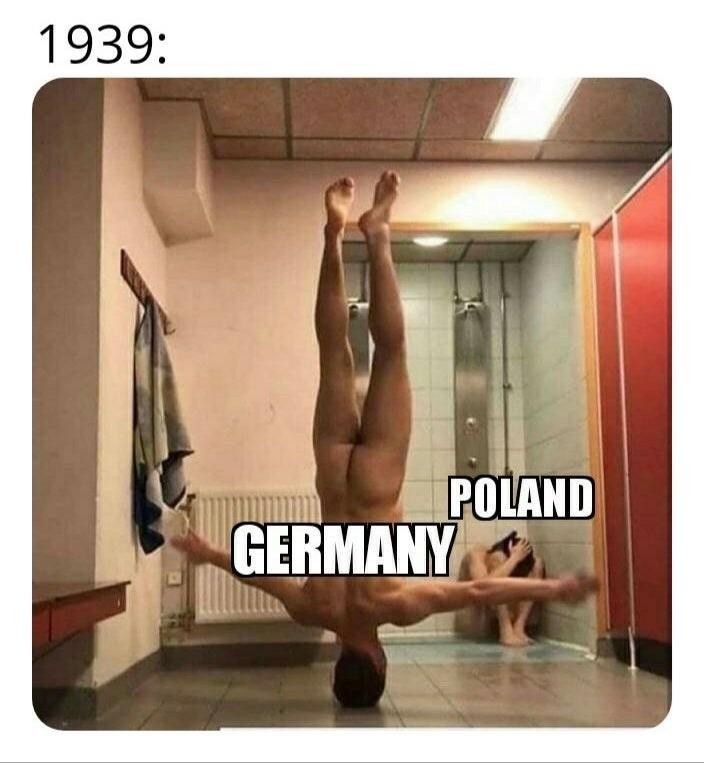 dank history memes - Leg - 1939: POLAND GERMANY