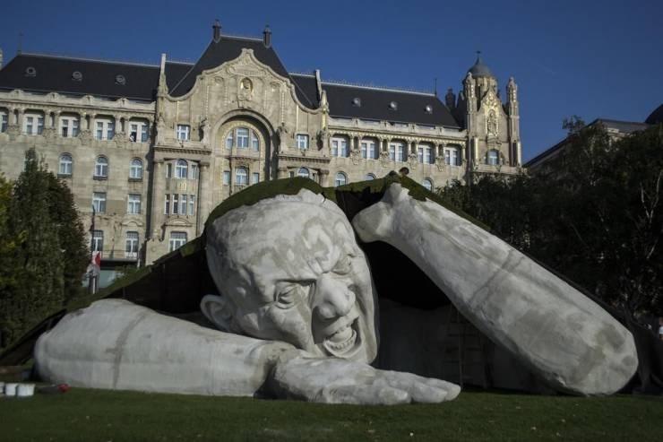 mildly interesting - Sculpture