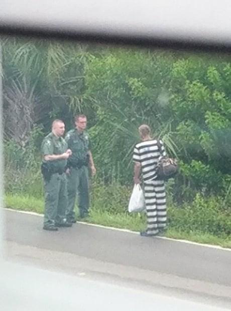 escaped convict that ran into some cops