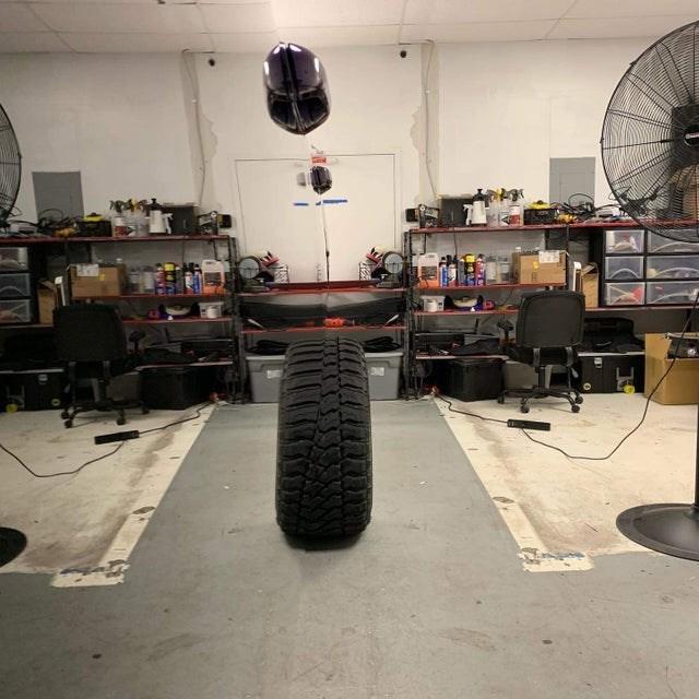 optical illusion Tire