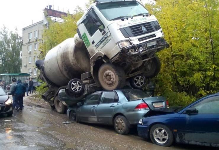 unlucky truck went over a few cars