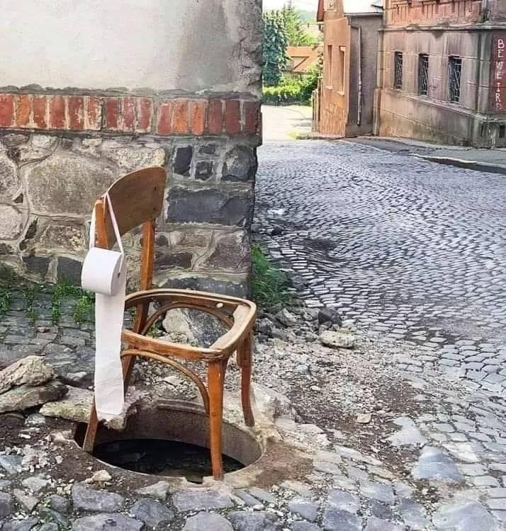 slav weirdness - Chair