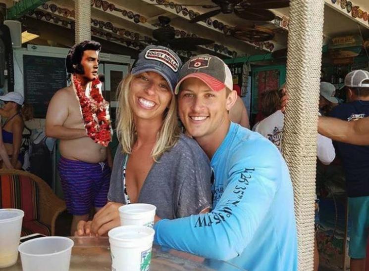 couple photoshop fail - Fun - OLL COODY