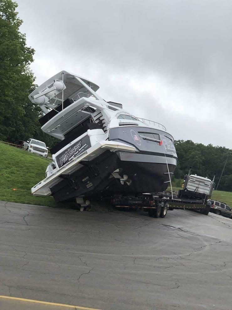 struggling - Vehicle