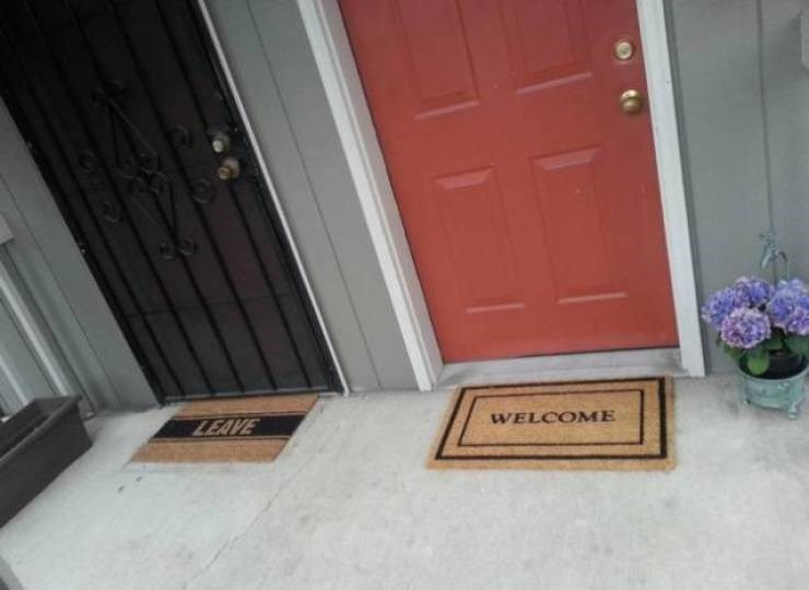 funny pic - Floor - WELCOME LEAVE