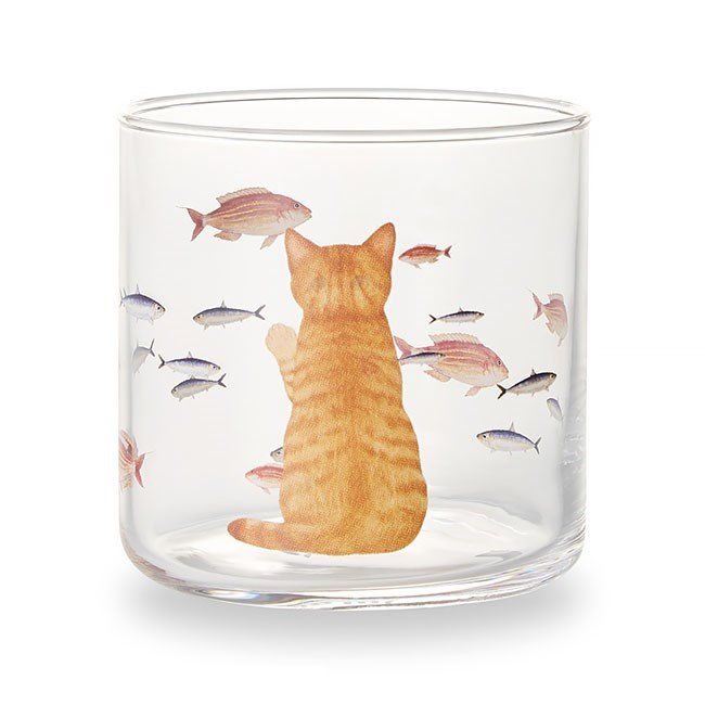 Cat and fish on a cup