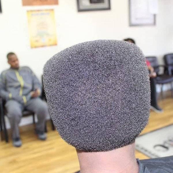 Hair that looks like a microphone