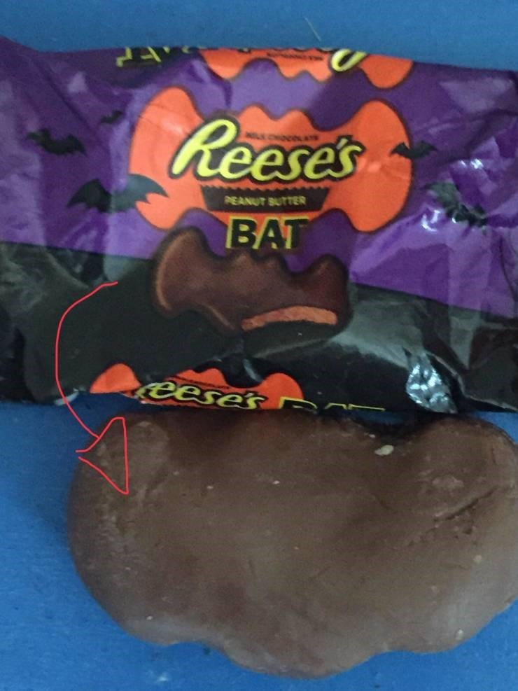 Funny picture - Play-doh - Reese's PEANUT SUTTER BAT eeses