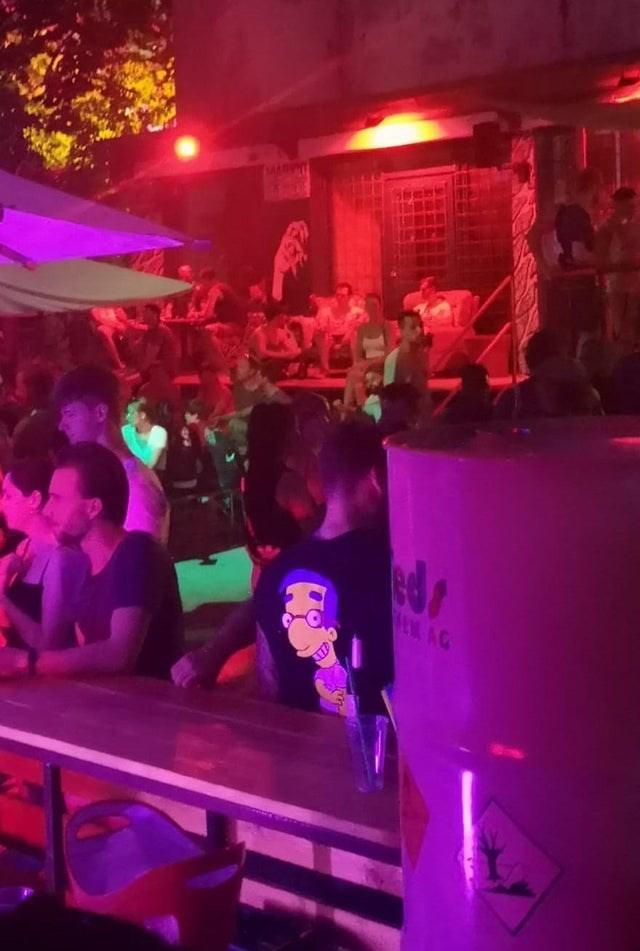 looks like milhouse is at the bar
