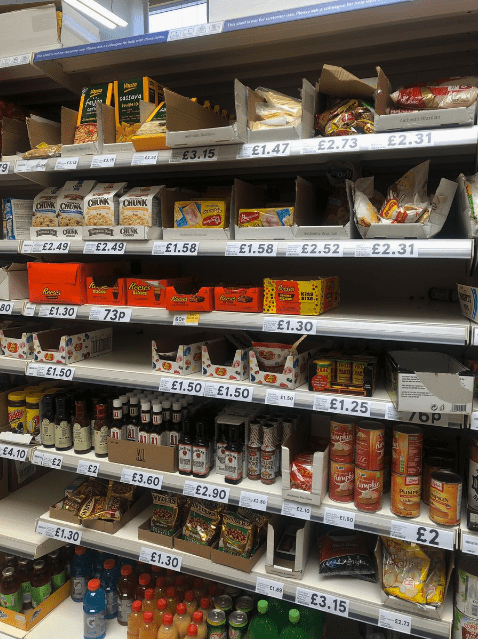american food - Supermarket - FAGterd £2.31 £2.73 E1.47 £3.15 CHUNK CHK E2.31 DUSH E2.52 £1.58 £1.58 £2.49 £2.49 . Kidn E1.30 73P E1.30 80 £1.50 £1.50 E1.50 £1.25 76P i £4.10 £2 E3.60 Pusrt £2.90 sERM £2 E1.30 £1.30 £3.15 m53.31