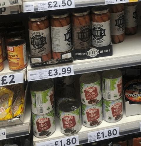 american food - Product - £2.50 DIN WOOKLY DI BIG S.ON DOGS MPKIN BROOKLYIN0'S BID B0GS £2 £3.99 MPEY dod COM COMR OMAR COMPEN Hnte Hoto AEST -73 AE £1.80 f1.80