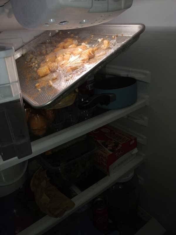 bad roommate - Food - Tohe