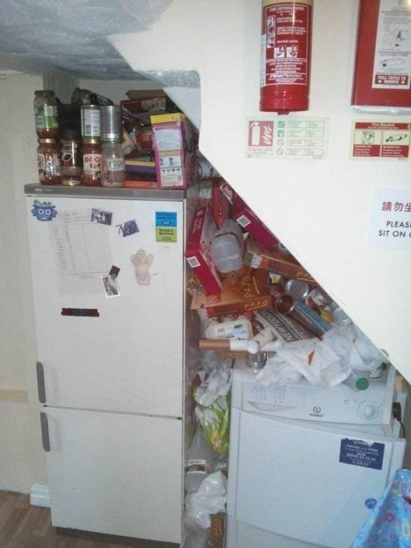 bad roommate - Refrigerator - TAPEE Rf GE PLEASE SIT ON C OGGAMIN