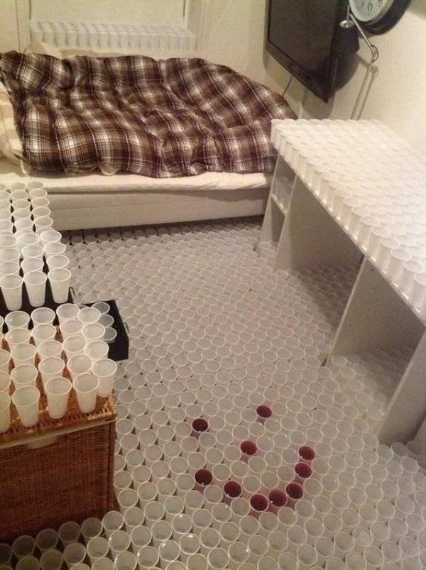 bad roommate - Tile