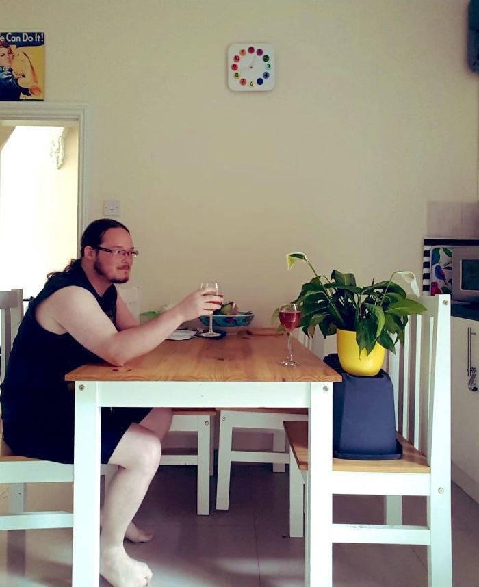 funny housemate - Furniture - eCan Do It! AF