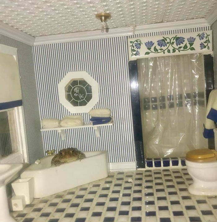 toad dollhouse - Tile