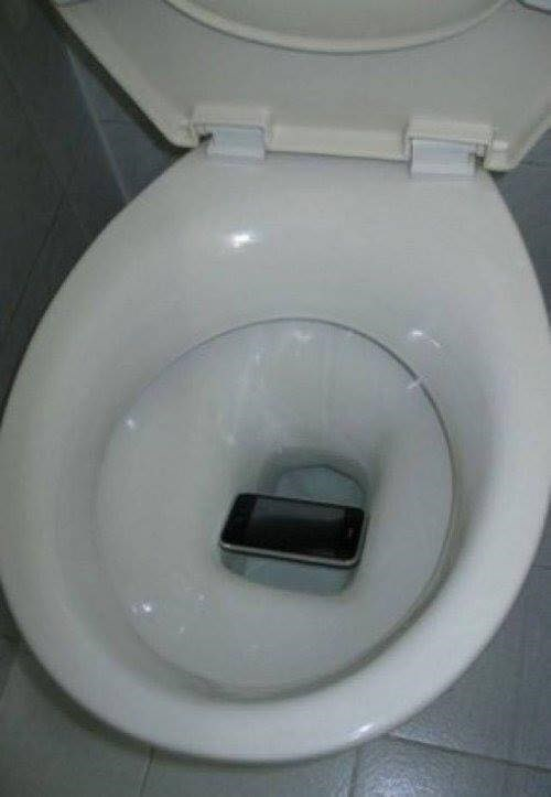 small luck - Toilet