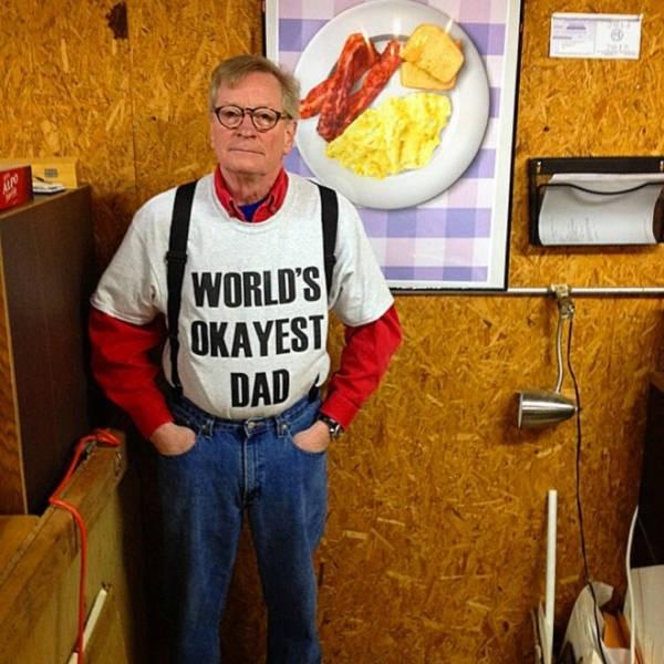 dad fashion - T-shirt - APO WORLD'S OKAYEST DAD