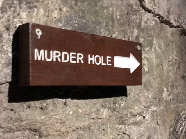 Text - MURDER HOLE