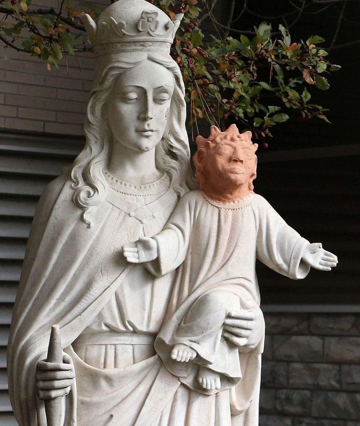 design fail - Statue