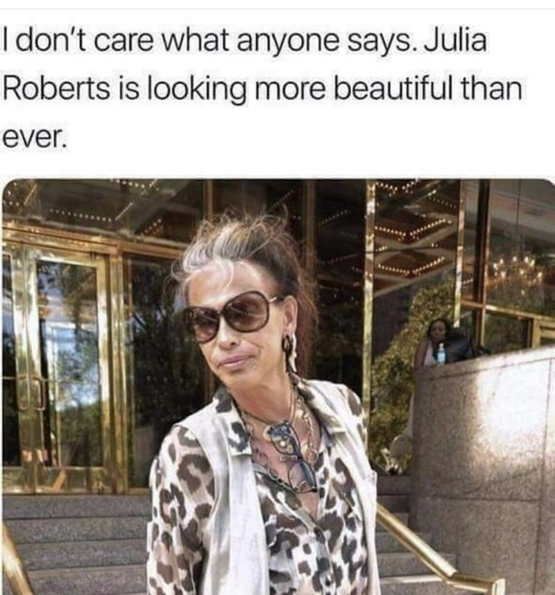 Eyewear - I don't care what anyone says. Julia Roberts is looking more beautiful than ever.
