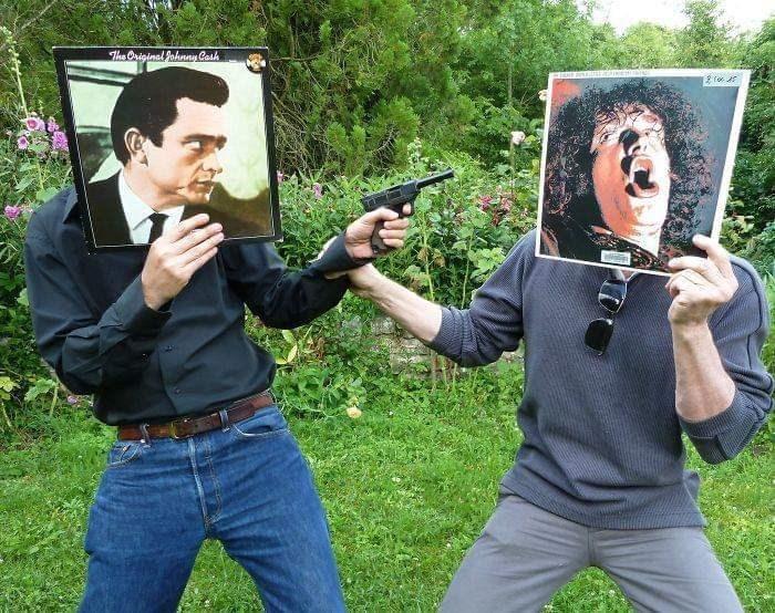 optical illusion - Selfie - The Original Pohnny Cash 2 fo