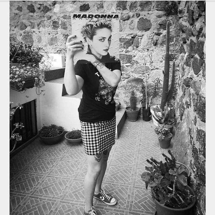 optical illusion - Photograph - MADONMA 451