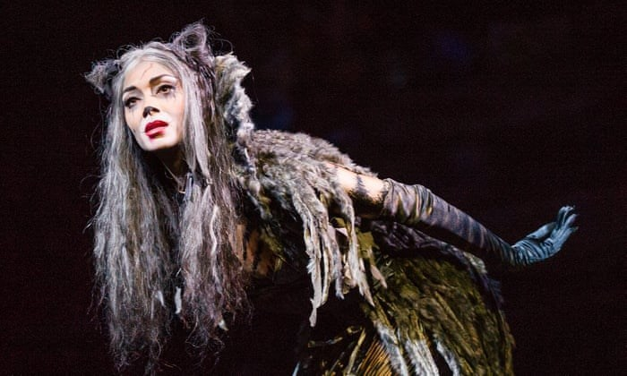 grizabella actor from cats musical with long grey hair