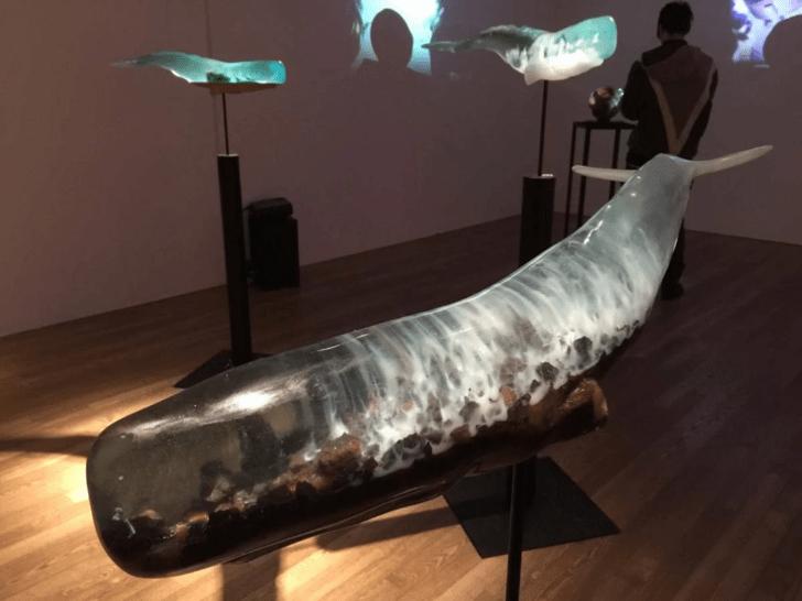 whales sculpture - Museum