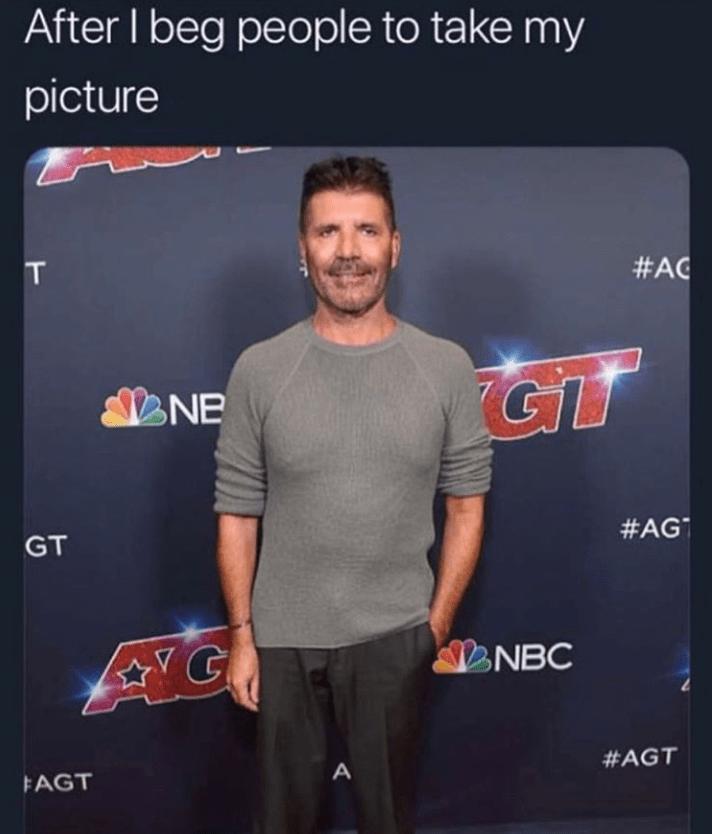 Funny meme about Simon Cowell's face.