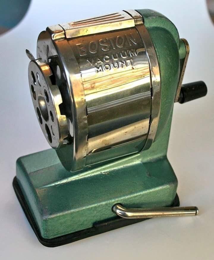 nostalgia - Electronic device - BOSTON UNrסae ס