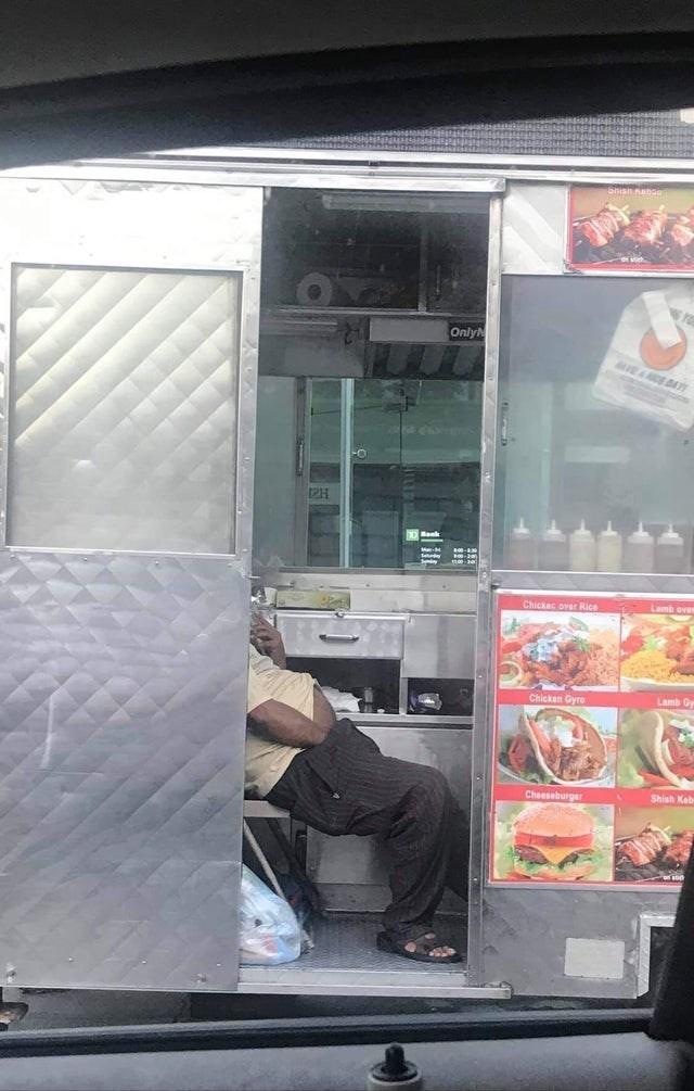 trashy moment - Window - busmsense Only DAY Lamb Chickec over Rice Lamb Gy Chicken Gyro Shish Keb Cheeseburger