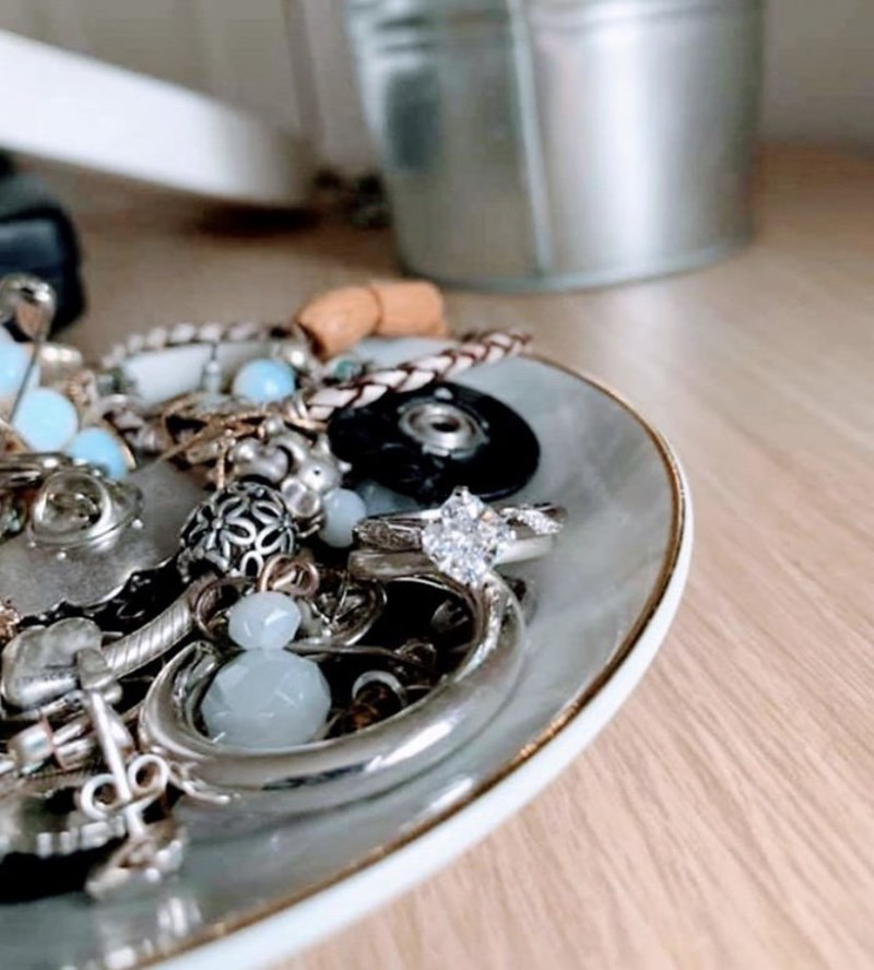 dating - Fashion accessory
