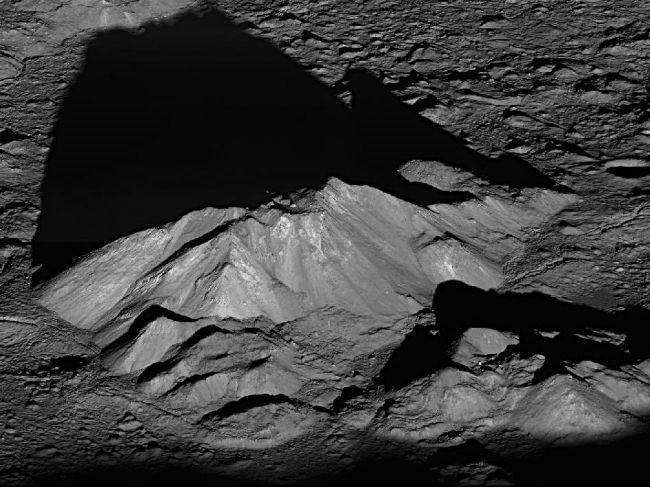 picture shadows on tycho crater