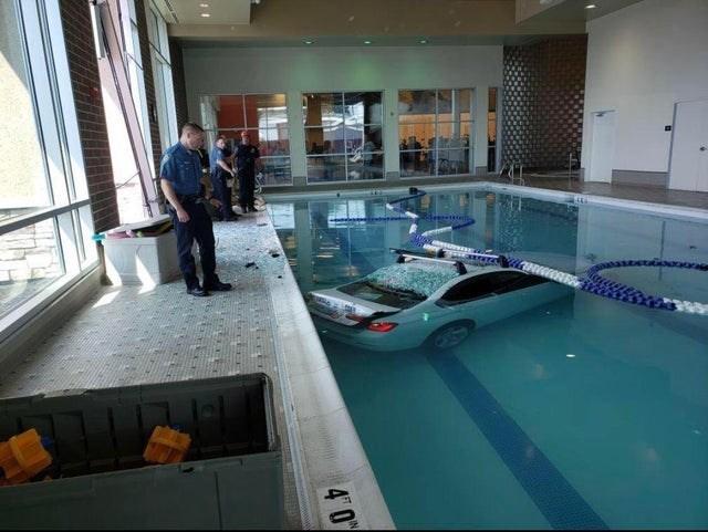 Swimming pool - 4 0