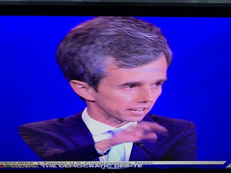 Forehead - 'ROURKE Former U.S. Congressman, Texas TENNSI THE DEMO CRATIC DEBATE