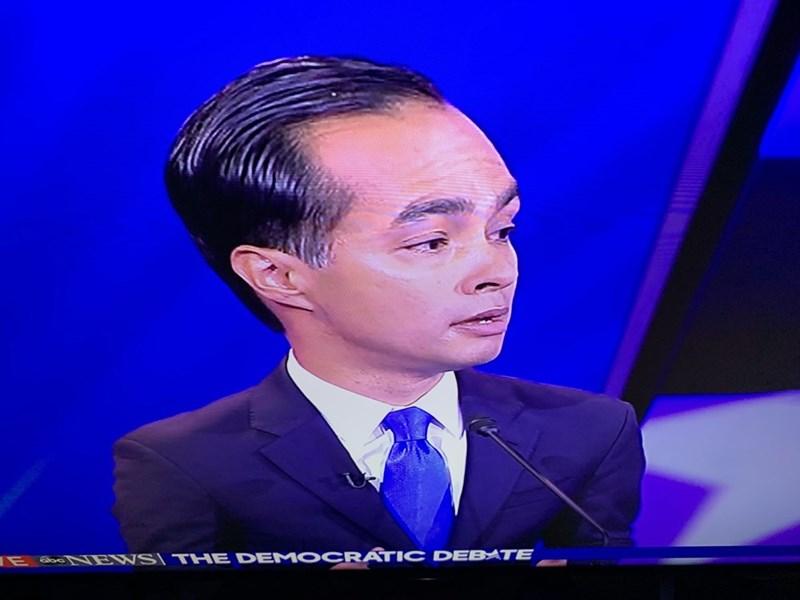Forehead - OCRATIC DEBATE E bNEWS THE DEM