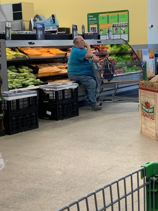 Grocery store - How we help www.as $19399984 1344 $6.50 MATURESWE HOMATORS ES!
