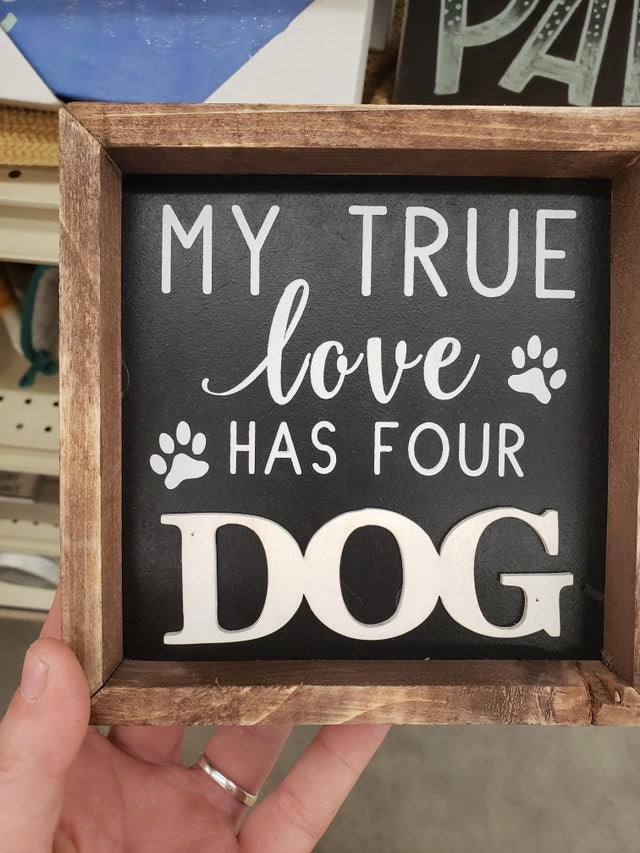 Font - PA MY, TRUE Cove D HAS FOUR DOG ST