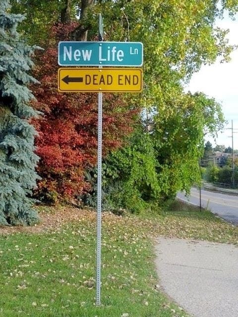 Street sign - New Life Ln DEAD END