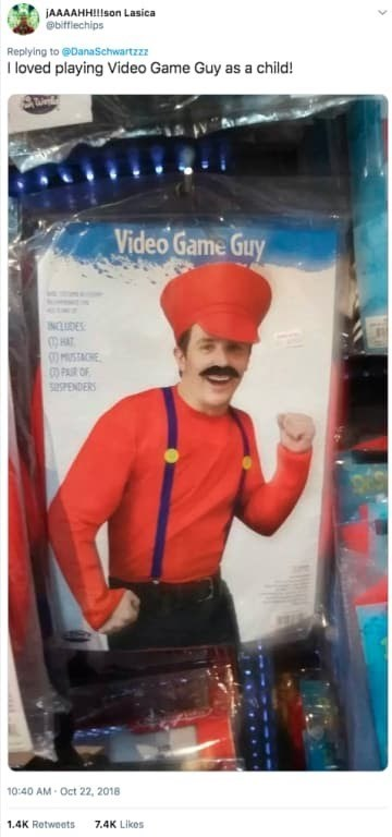 Turban - jAAAAHH!!lson Lasica @bifflechips Replying to @DanaSchwartzzz I loved play ing Video Game Guy as a child! Video Game Guy INCUDES HAT MUSTACHE PAR OF ENDERS 10:40 AM-Oct 22, 2018 1.4K Retweets 7.4K Likes