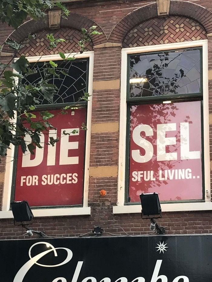 Advertising - DIE SEL FOR SUCCES SFUL LIVING.. laaaho