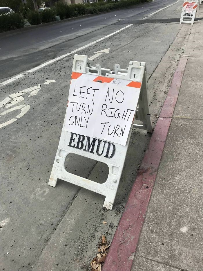 Lane - EBMUD LEFT NO TURN RIGHT ONLY TURN EBMUD w Lo NoLLEXCE 24 LLa